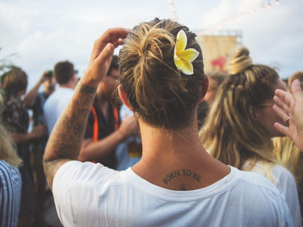 Zoveel water mag je maximaal drinken op een festival
