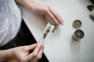 Verband tussen toename cannabisgebruik en schizofrenie onderzocht