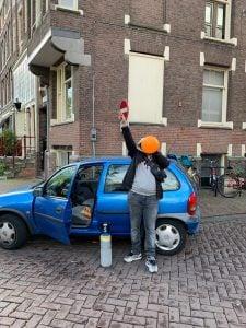 Massaal aan de ballonnen in het uitgaansgebied van Groningen. Dat beeld is geschiedenis: gemeente verbiedt gebruik lachgas op straat