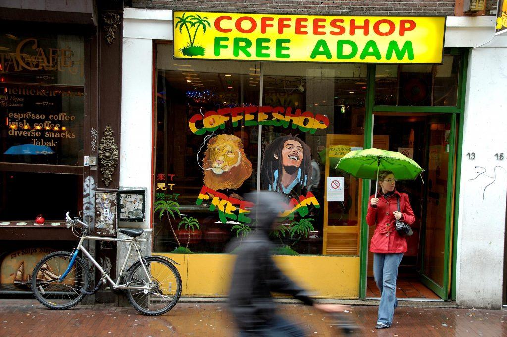 ChristenUnie: Coffeeshops moeten toeristen weigeren