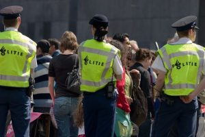 Lachgasgebruik wordt duur grapje: boete van 100 euro in Rotterdam