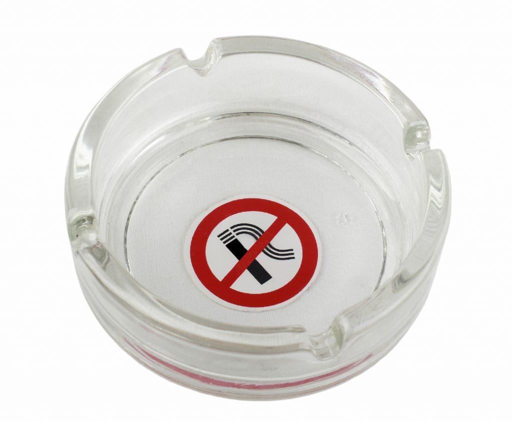 Verbod op rookruimtes in de horeca vanaf 1 april gehandhaafd
