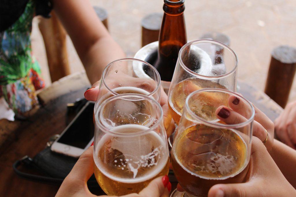Groningse studenten moeten op alcoholcursus