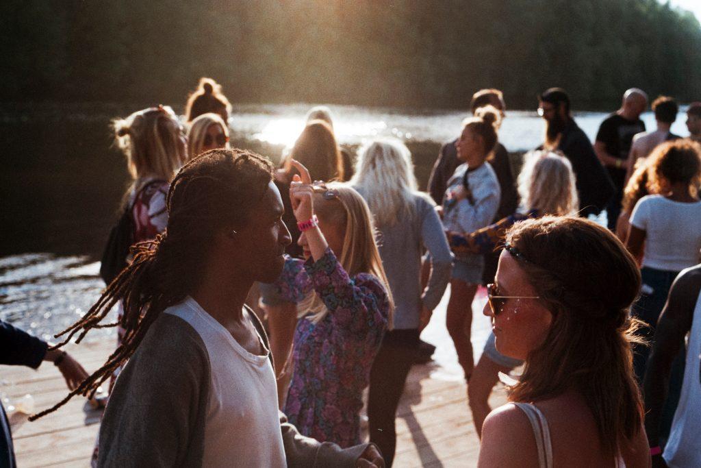 'Ga nooit klakkeloos akkoord met straf vanwege drugsbezit festival'